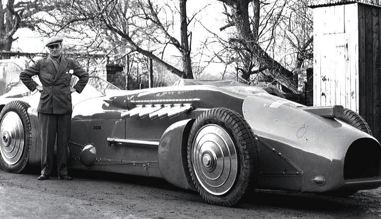 Malcolm Campbell and the Railton Bluebird, V12 merlin engined beast