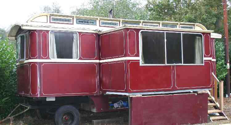 Gypsy caravan 1930s side showing pull out centre section